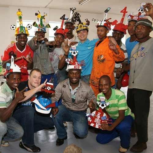 南非球迷看球必备——多彩矿工帽