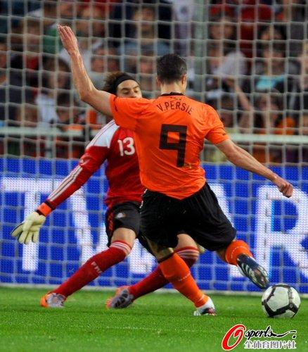 世界杯热身赛-荷兰2-1墨西哥 范佩西梅开二度