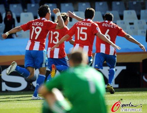 世界杯-巴拉圭2-0斯洛伐克 南美五雄全线飙红