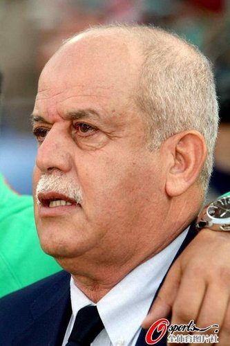 阿尔及利亚传奇主帅避谈未来 称球队已尽全力