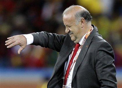 西班牙足协稳定军心:博斯克将执教至2012年