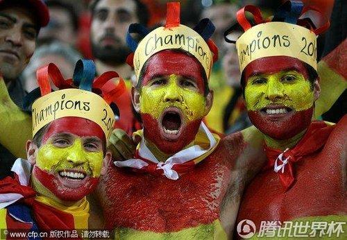 文:荷兰VS西班牙 西班牙球迷期待捧杯_2010南