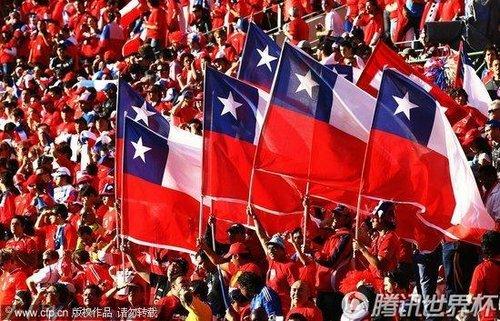 智利晋级安抚地震同胞的心 总统看直播表祝贺