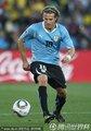 图文:墨西哥0-1乌拉圭 弗兰带球