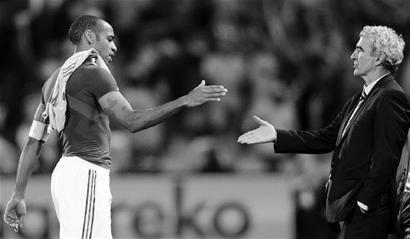 体育周报:法兰西之死 死于教练