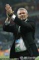 图文:意大利1-1新西兰 希伯特鼓掌庆祝
