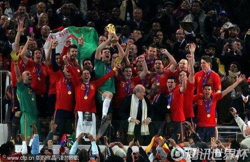 图文:荷兰0-1西班牙 西班牙队获得冠军(74)_20