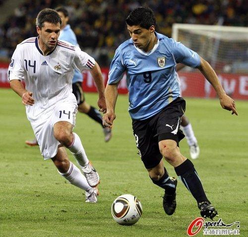 乌拉圭48场49球进球机器哑火 如此也值3600万