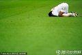 图文:英格兰0-0阿尔及利亚 球员跪地不起