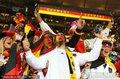 图文:加纳0-1德国 德国球迷呐喊助威
