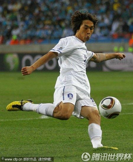 2010世界杯1/8决赛:乌拉圭2-1韩国 40年后再进8强