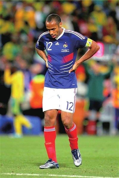 法国:政府开会研究足球失利 总统将接见亨利