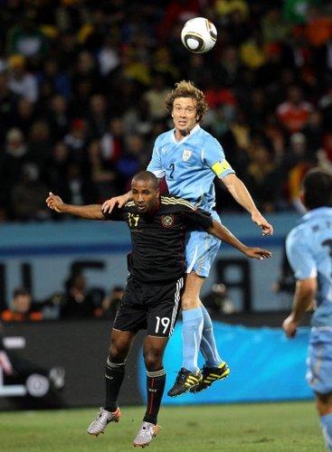 乌拉圭找回黄金般队长 铁血汉子赢得世界掌声