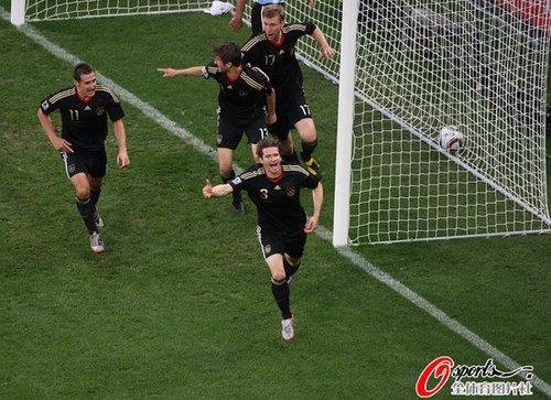 德国完美复制90年捧杯之路 一役追平20年纪录
