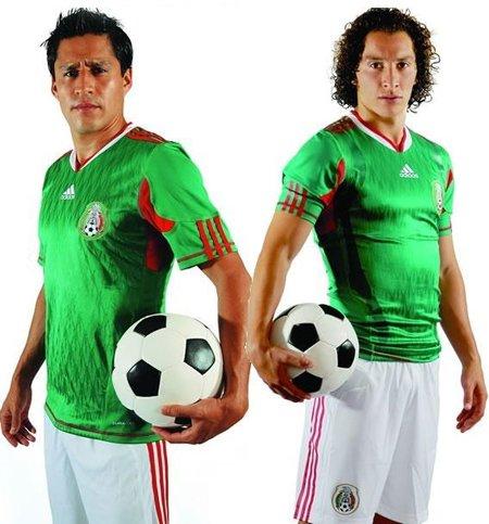 墨西哥国家队球衣——源于雄鹰战士战衣