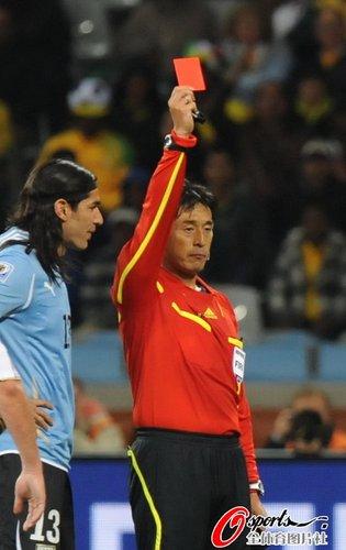 图文:A组法国0-0乌拉圭 洛代伊罗领首张红牌