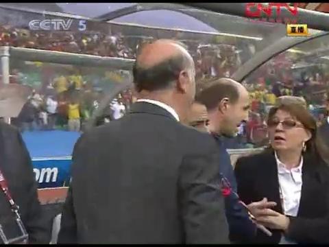 视频策划:西班牙0-1瑞士花絮 皮克血染赛场