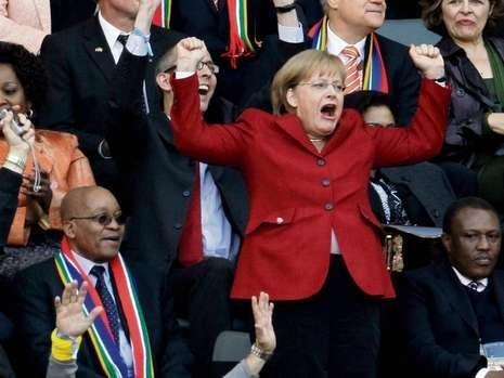元首观战成德国胜因 德总理赛后赴更衣室痛饮