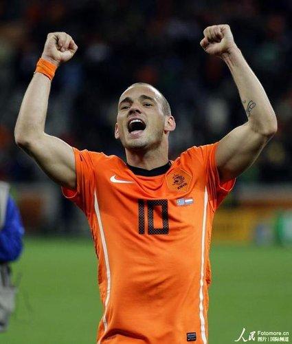 斯内德为荷兰晋级决赛立下汗马功劳