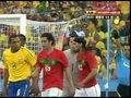 视频:葡萄牙快速反击 蒂亚戈禁区假摔染黄