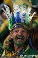 图文:巴西2-1朝鲜 巴西球迷加油助威