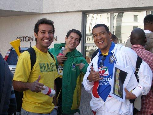 手记:QQ聊天风靡拉美大陆 智利球迷盼西语版