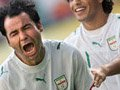 06世界杯进球FLASH:巴蒂亚里扎德头球扳平