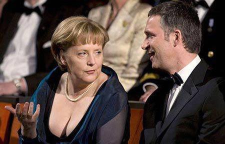 德国总理不忘英德大战 英首相称不愿一起看球