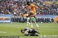 图文:科特迪瓦0-0葡萄牙 守门员倒地扑球