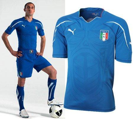 意大利国家队球衣——更突出强壮与力量