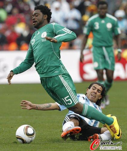 图文:阿根廷1-0尼日利亚 哈鲁纳玩不倒翁