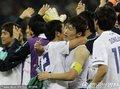 韩国队员庆祝胜利