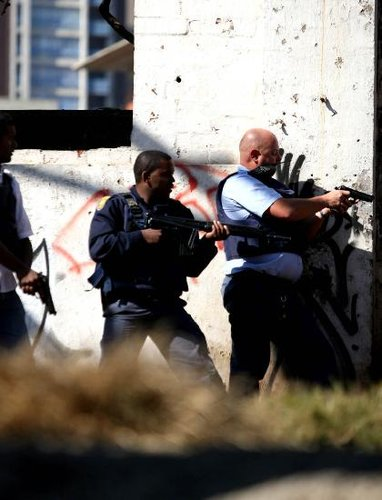 两恐怖分子南非边境落网 非法越境屡威胁安保