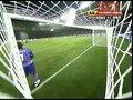 视频:蒂安直接踢倒C罗 世界足球先生受照顾