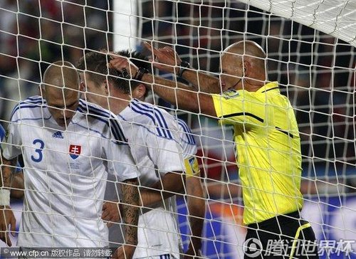 2010世界杯F组末轮:斯洛伐克3-2意大利 卫冕冠军小组出局