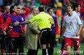 图文:智利1-0瑞士 贝赫拉米肘击吃红牌(14)