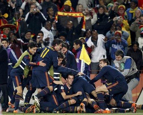 东体在线:巴拉圭不屈 西班牙幸运晋级
