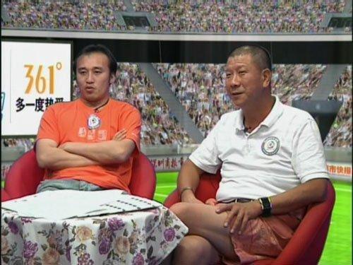 陶伟(左)李萱(右)