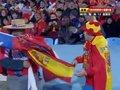 视频策划:智利VS西班牙花絮 美女球迷秀国旗