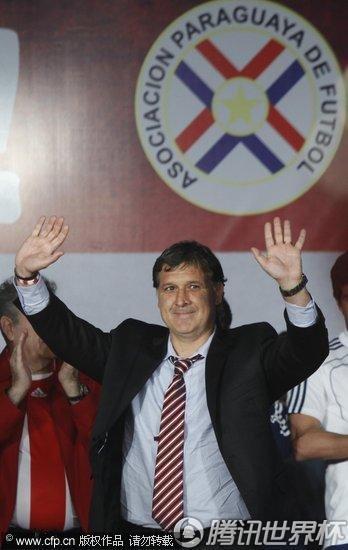 2010世界杯:巴拉圭载誉回国 虽败犹荣受英雄待遇