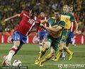 图文:塞尔维亚1-2澳大利亚 斯坦科维奇控球