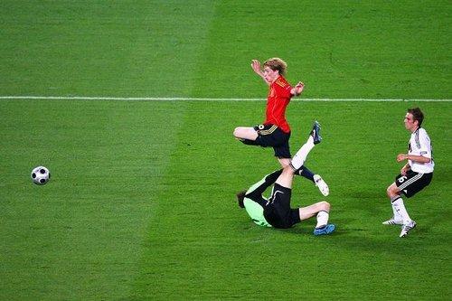 德国半决赛欲复仇西班牙 两大射手争创新纪录