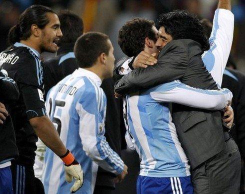 世界杯进入马拉多纳时间 4连胜揭晓谁是真神