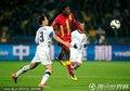 加纳队员头球射门