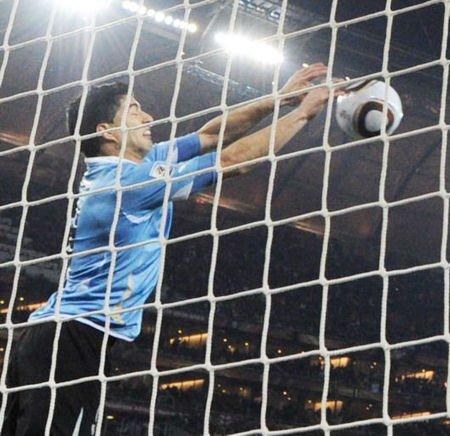 国际足联欲追加处罚苏亚雷斯 功臣恐告别南非