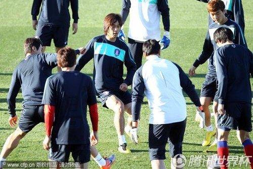 2010世界杯1/8决赛前瞻:韩国出席发布会 朴智星微笑信心满