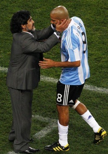 阿根廷大师3届大赛5助攻 老马将梅西交托于他