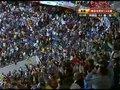 视频:德国2-0领先 总理默克尔起身鼓掌欢庆