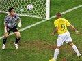 06世界杯进球FLASH:罗纳尔多头球将比分扳平