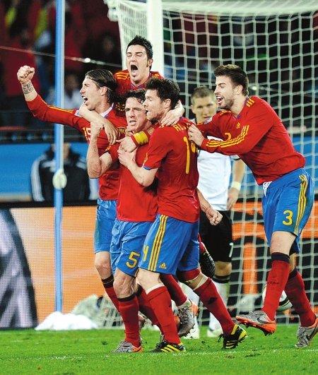 西班牙荷兰将会师决赛 世界杯迎第八支冠军队